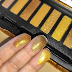 W7 Queen Bee Eyeshadow Palette